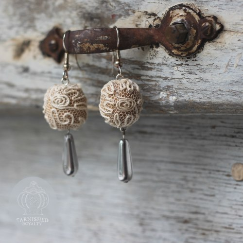 lace_ball_silver_drop_earrings_1
