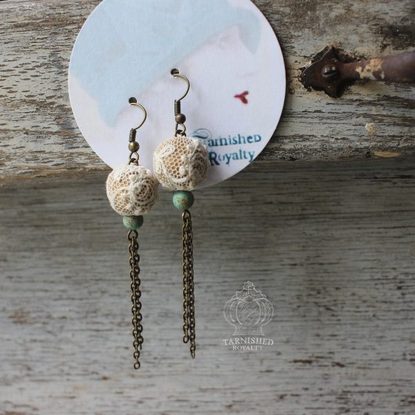 lace_ball_turquoise_chain_earrings_2