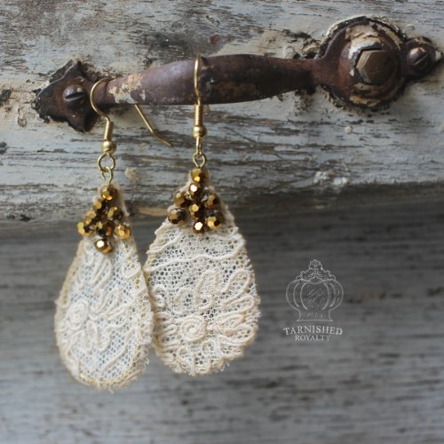 lace_teardrop_gold_2