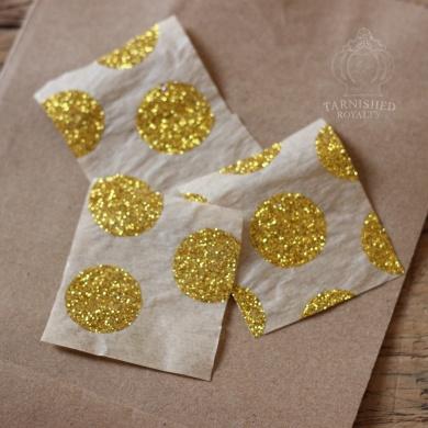 gift_bag_tissue_star_step2