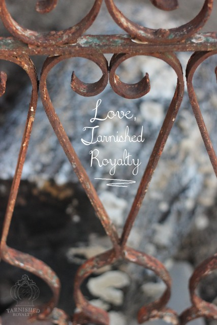 heart_shapes_iron_fence_love