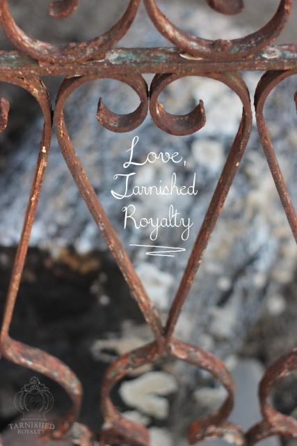heart_shapes_iron_fence_love
